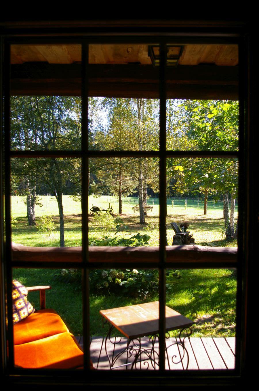 Pirtelė dviems - vaidas per langą